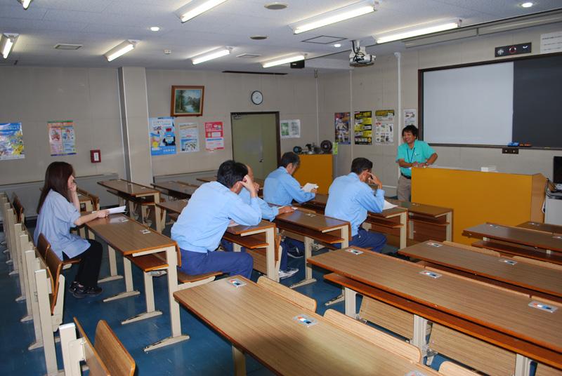関電サービス様のとある班の講習会風景